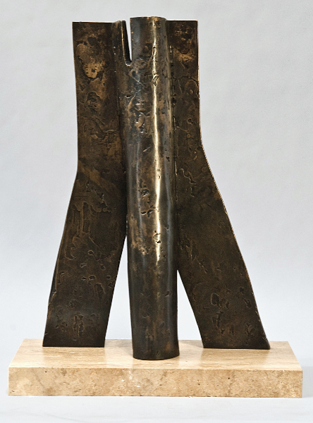 Agamemnon's Wall, 1977-78, bronze, 19 x 11 x 9 in.