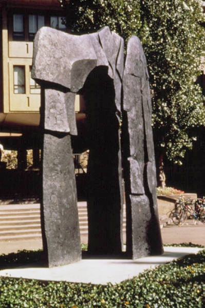 Pillars of Hercules III, Stanford University, Palo Alto, CA, 1982, bronze, 14' high