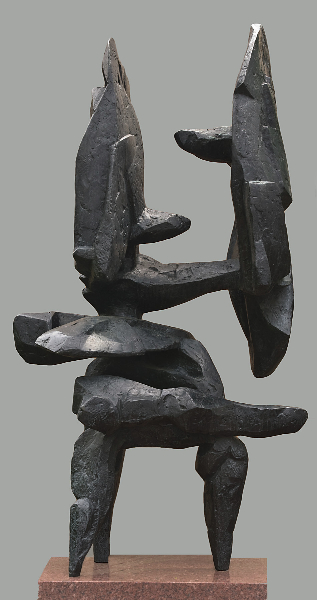 Scudi IV, 1961, bronze, 72 x 40 x 28 inches