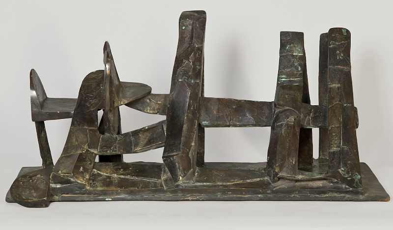 Uniquequinox Major, 1989, bronze, 14 x 31 x 16 inches